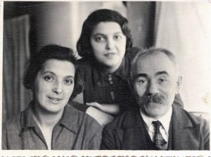 Left to right: Dinah Levenstein, Khaya (Raisa) Smetanina, Levenstein. Leningrad. Year 1939.