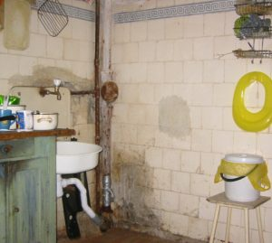 A corner of a communal kitchen: a sink and a toilet seat. Photo courtesy of Communal Living in Russia: A Virtual Museum of Soviet Everyday Life http://kommunalka.colgate.edu
