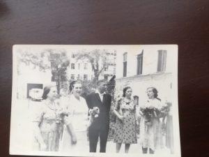 Rosa, Emma, Avram, Liza, and Manya Babinsky. Kiev.