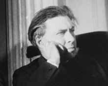 Ilya Ehrenburg in 1943. Photo from: https://en.wikipedia.org/wiki/Ilya_Ehrenburg